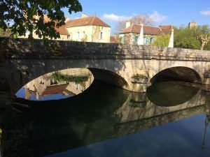 Noyers sur Serein brug
